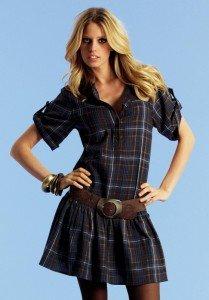 Модное клетчатое платье