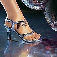 Не стоит пренебрегать советами по выбору обуви для выпускного бала!
